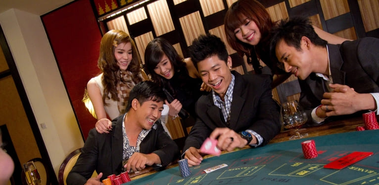 Complete Techniques to Play Online Roulette Betting Correctly